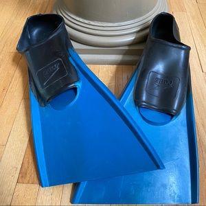 SPEEDO Training Swim Fins Flippers Adult size 7 -9